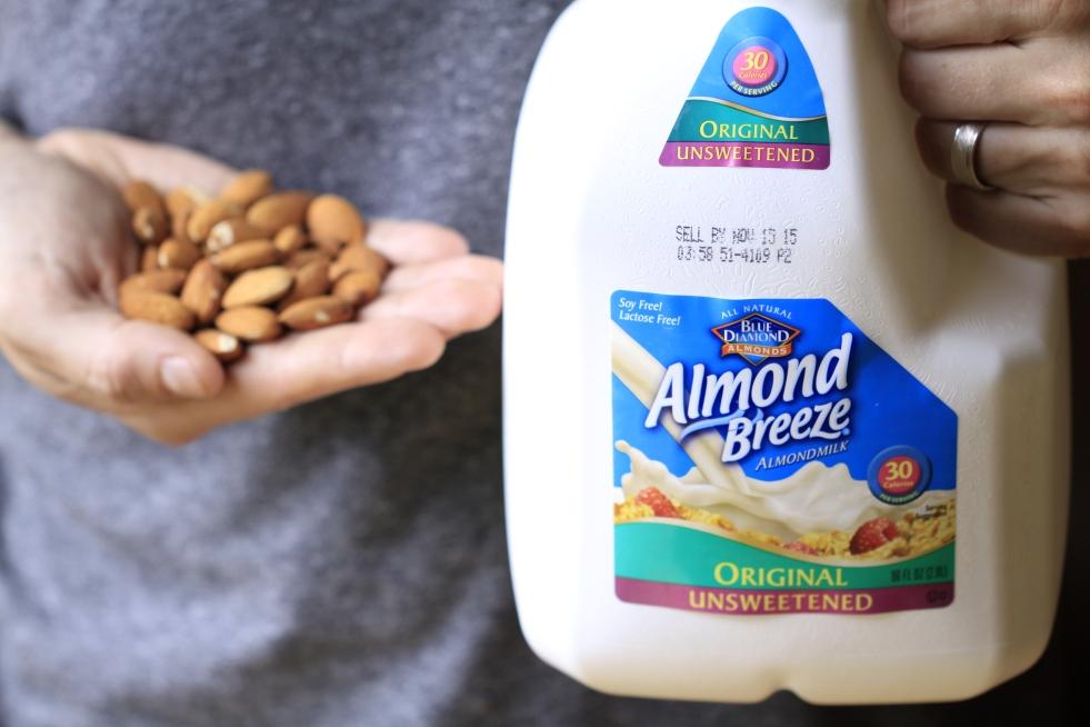 almond breeze, almonds